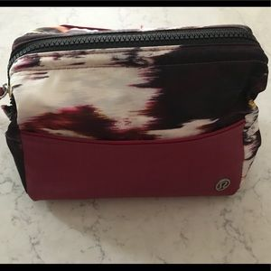 Lululemon Mind and Body Cosmetic bag, EUC.